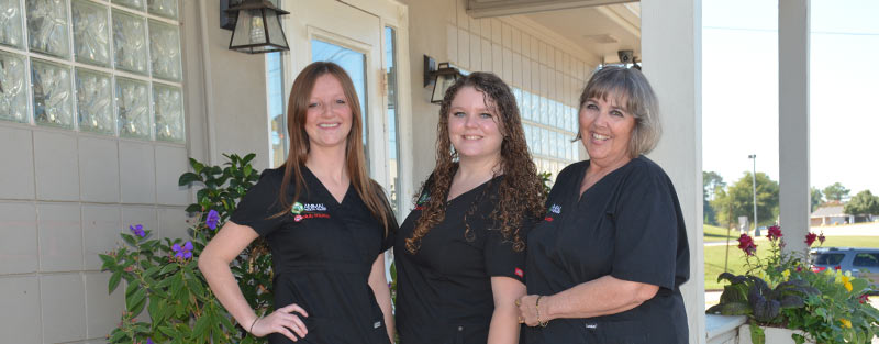 Veterinary Staff at Animal Medical Center in Tuscaloosa and Northport AL
